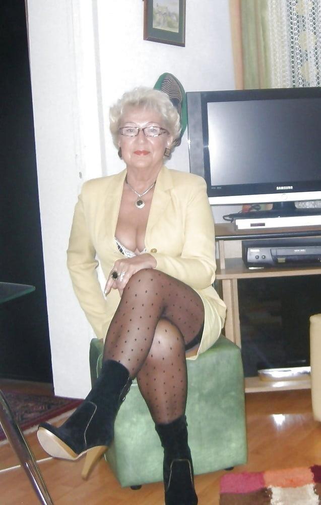 Amateur granny stockings pics-4651