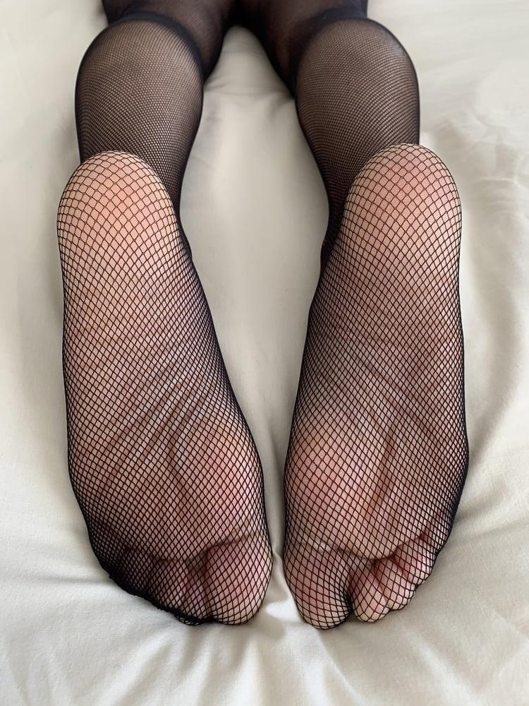 Female feet bondage-7555