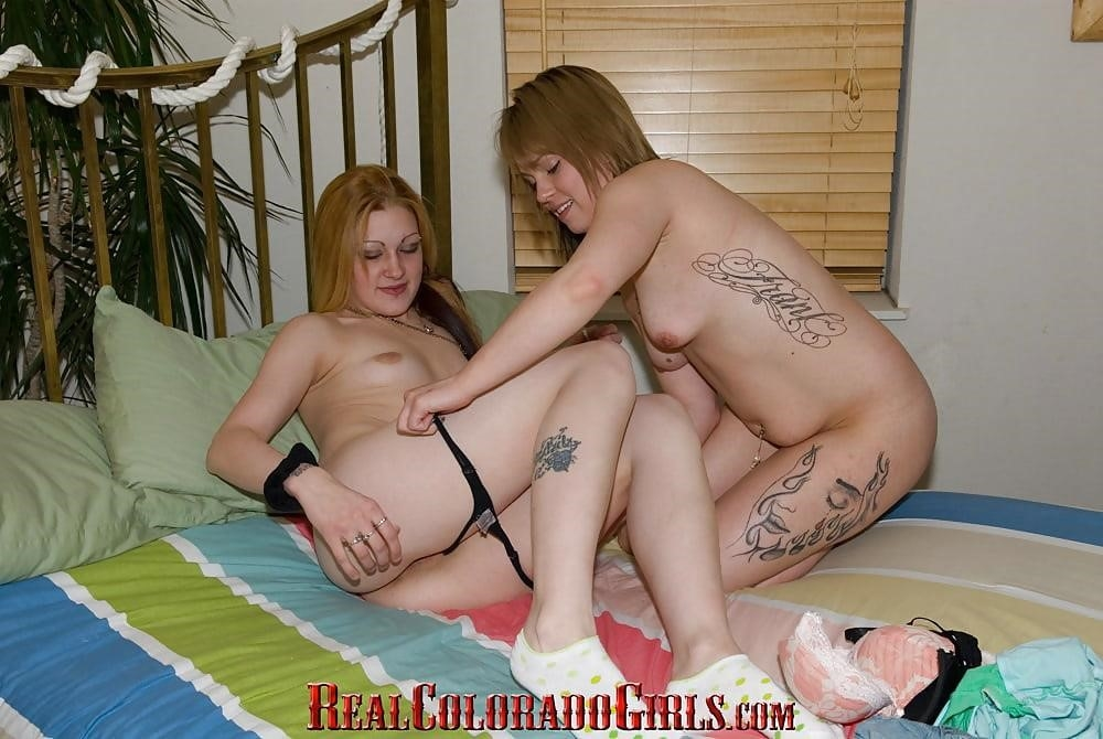 Milf and young lesbian sex-1052