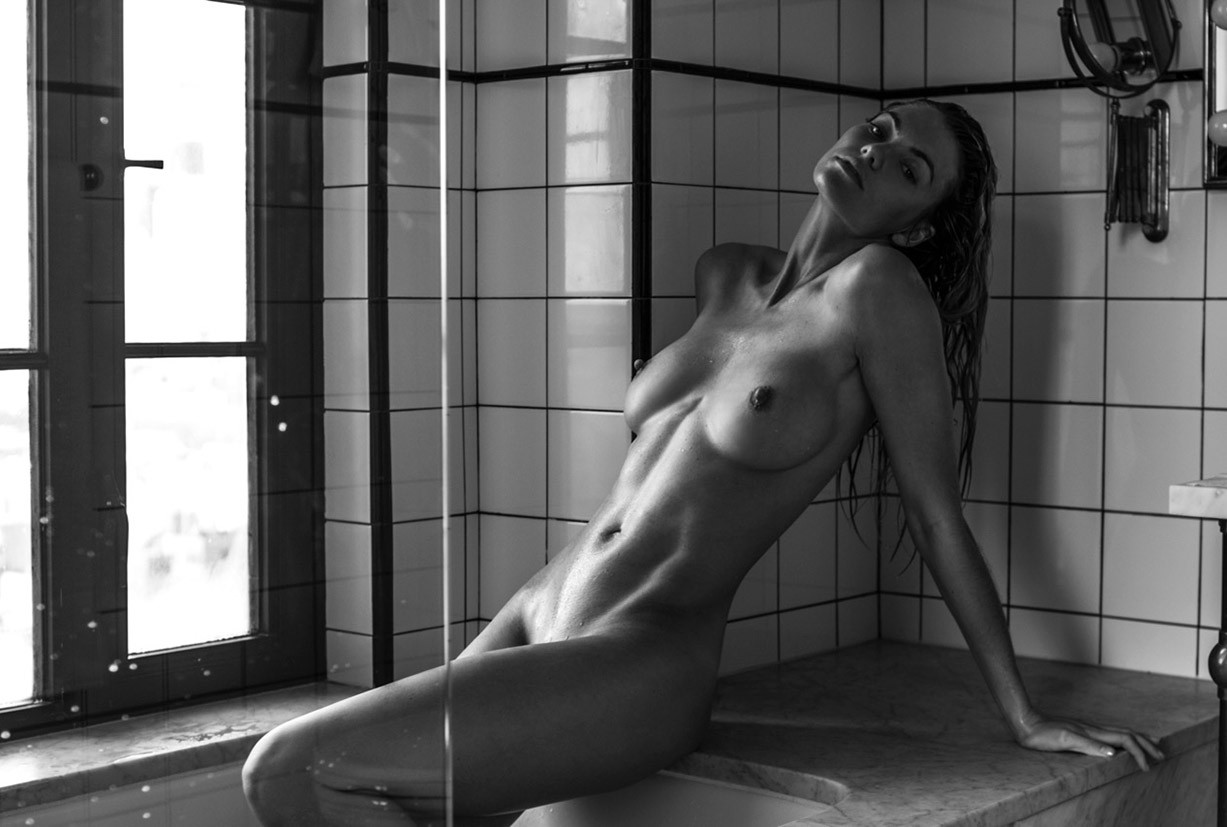 Elyse Taylor nude by Tyler Kandel