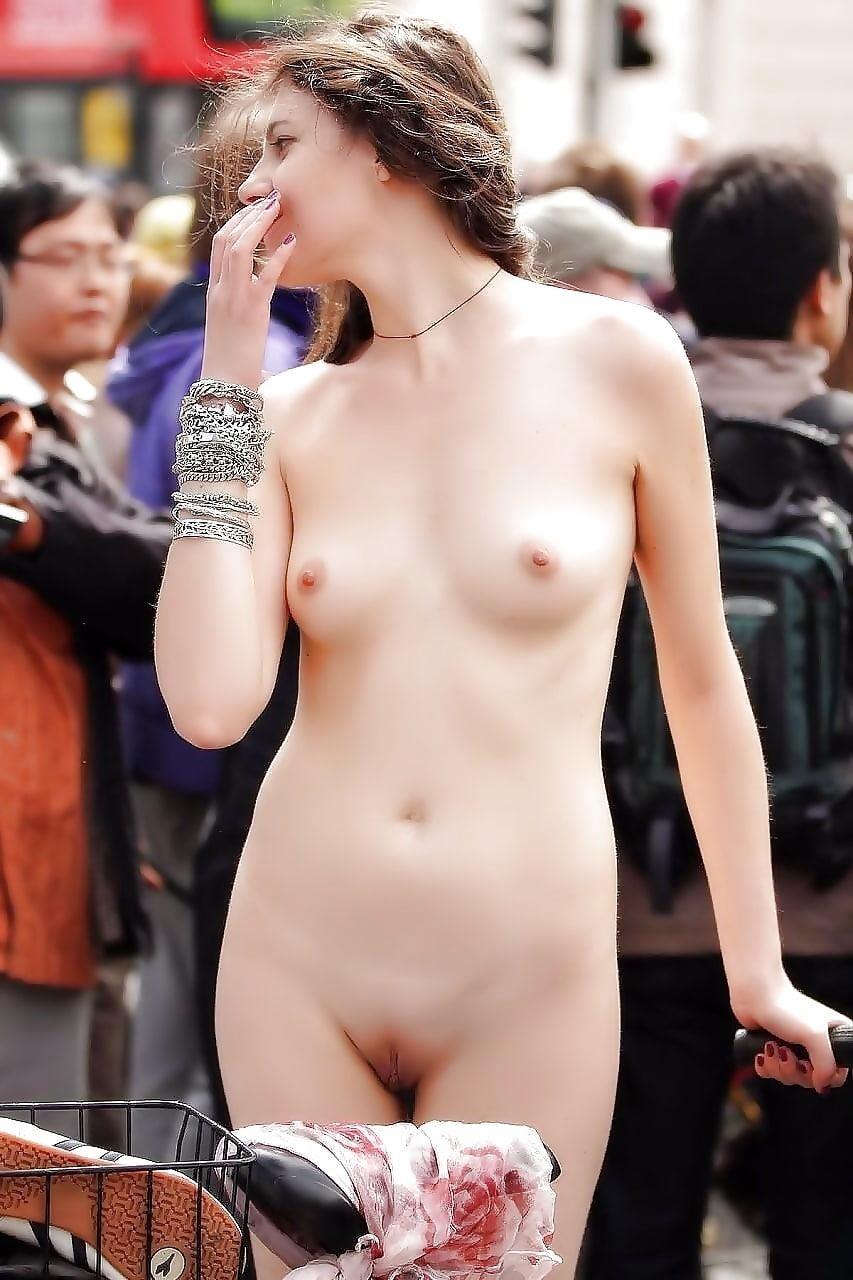 Girls peeing outside naked-8489