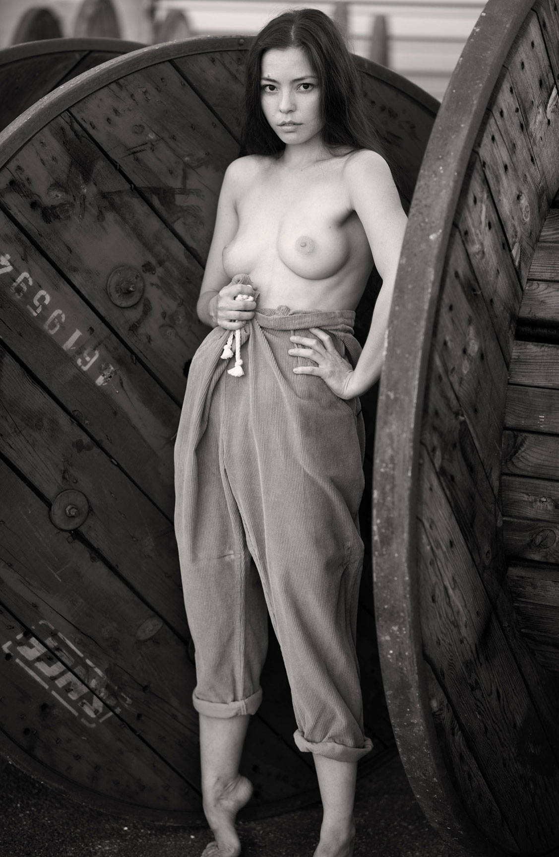 Алина Небула топлес / фото 08