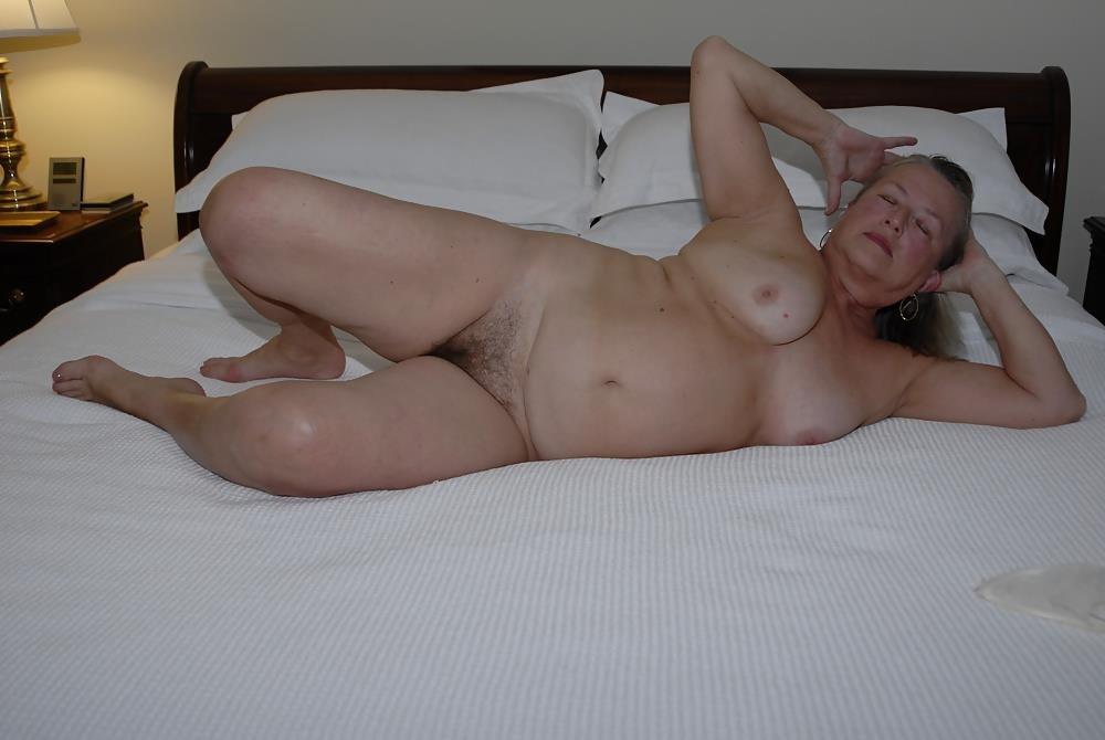 Chubby mature granny-2082