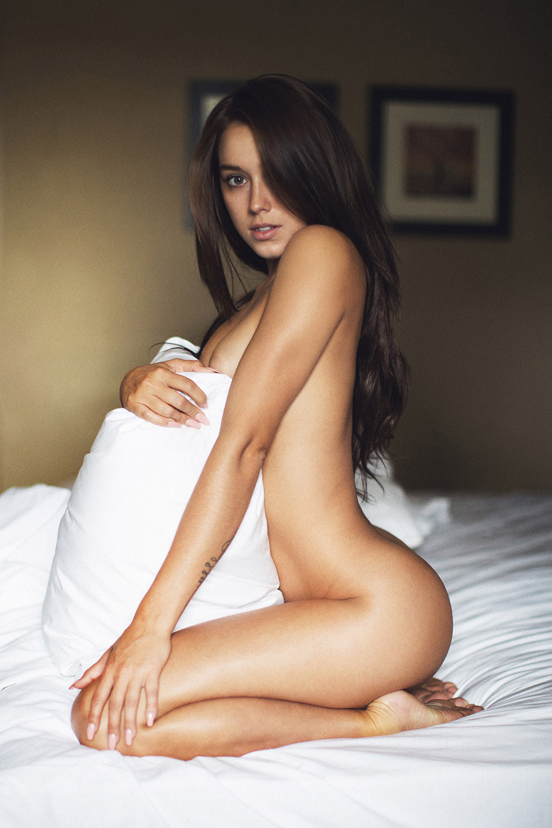Ready for Bed / Kalyn Rene nude by Jeffrey Thomas - Yume Magazine