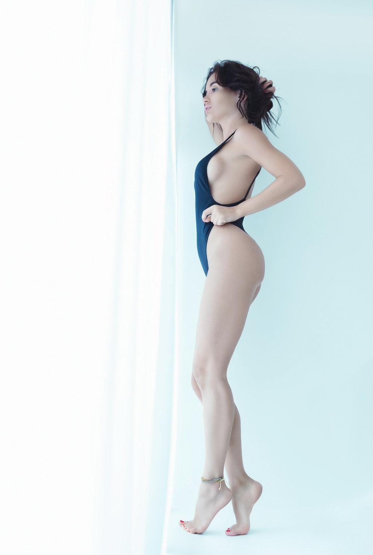 Екатерина Зуева голая в номере отеля / Hotel Room number one - Ekaterina Zueva nude by Guido Vincenzini