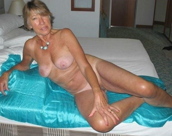 Naked granny porn-3228