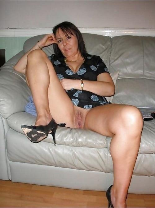 Girl milf pic-3206