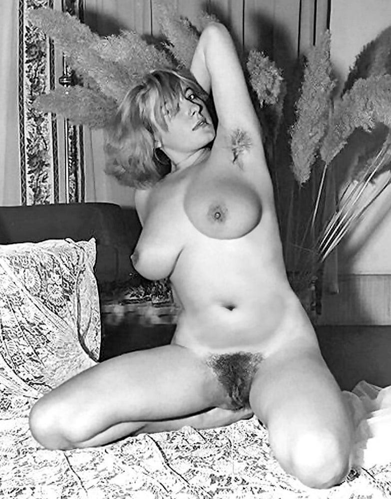 Older nude hairy women-9661