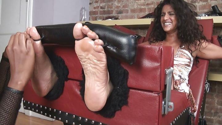 Bondage tickle feet-1813