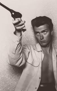 Clint Eastwood ZKghzIi6_o