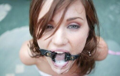Open mouth bukkake-5131
