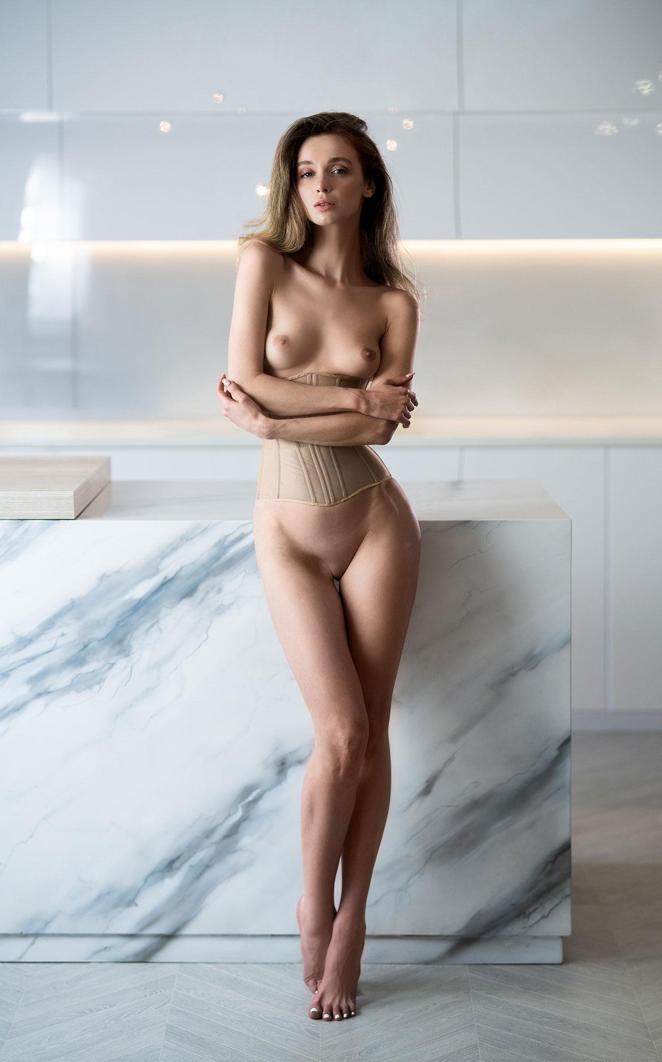 Сексуальная голая Анна Царалунга / фото 16