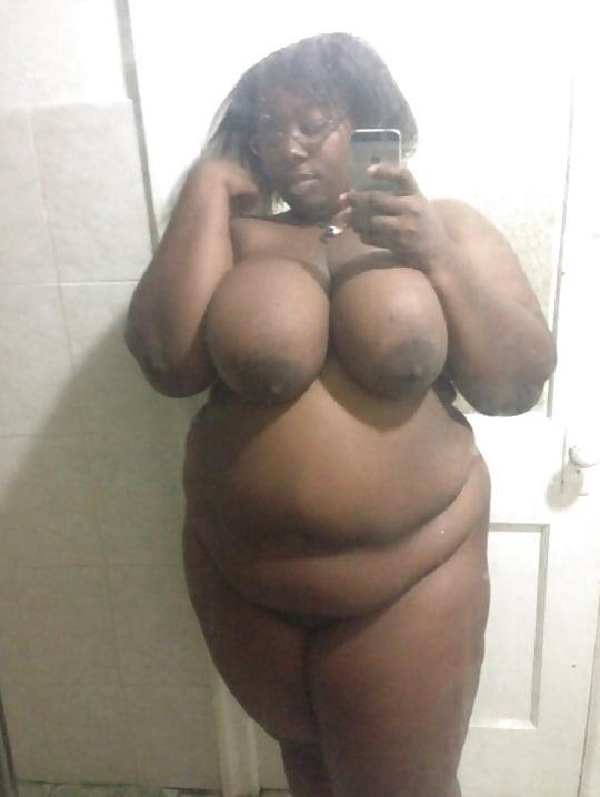 Ebony naked selfie-8347