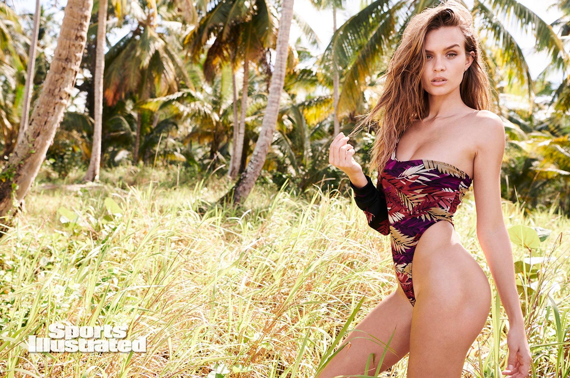 Жозефин Скривер в каталоге купальников Sports Illustrated Swimsuit 2020 / фото 07