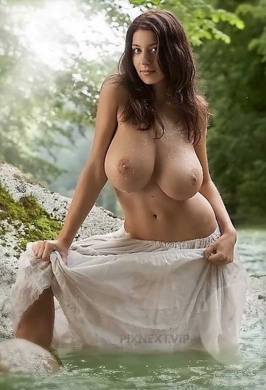 Huge Tits & Big Boobs Beauties