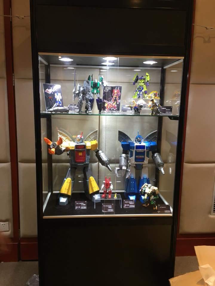 [DX9 Toys] Produit Tiers - Jouet D-12 Gabriel et D-12X Gabriel-X - aka Omega Supreme  et Omega Sentinel (Gardien de Cybertron) WA2hWvlU_o