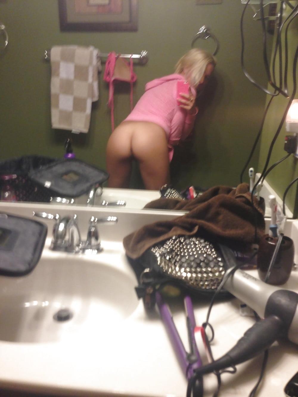 Hot blonde nude selfies-7310