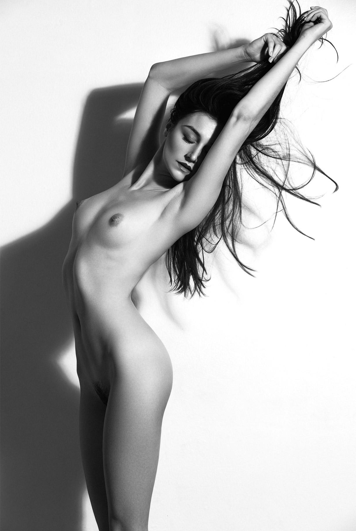 сексуальные голые девушки на снимках фотографа Бенджамина Вингрифа / фото 11