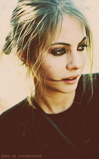 Willa Holland SOUqsWQF_o
