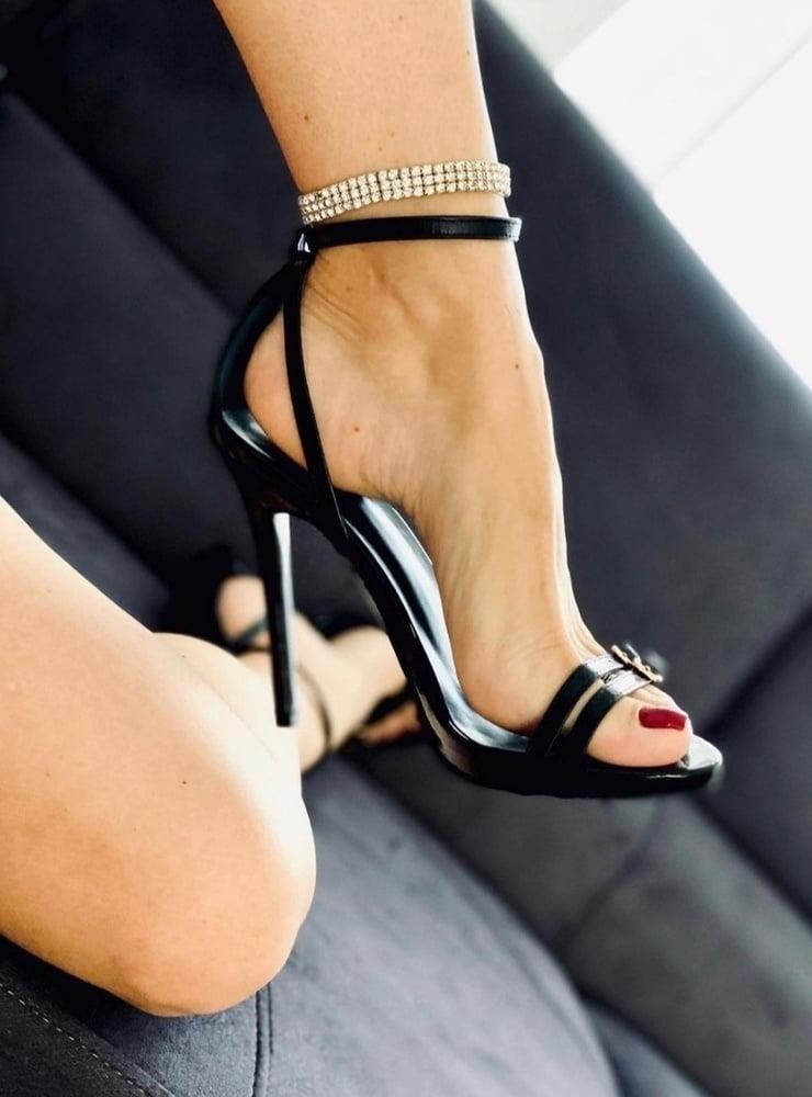 Hot feet domination-1036