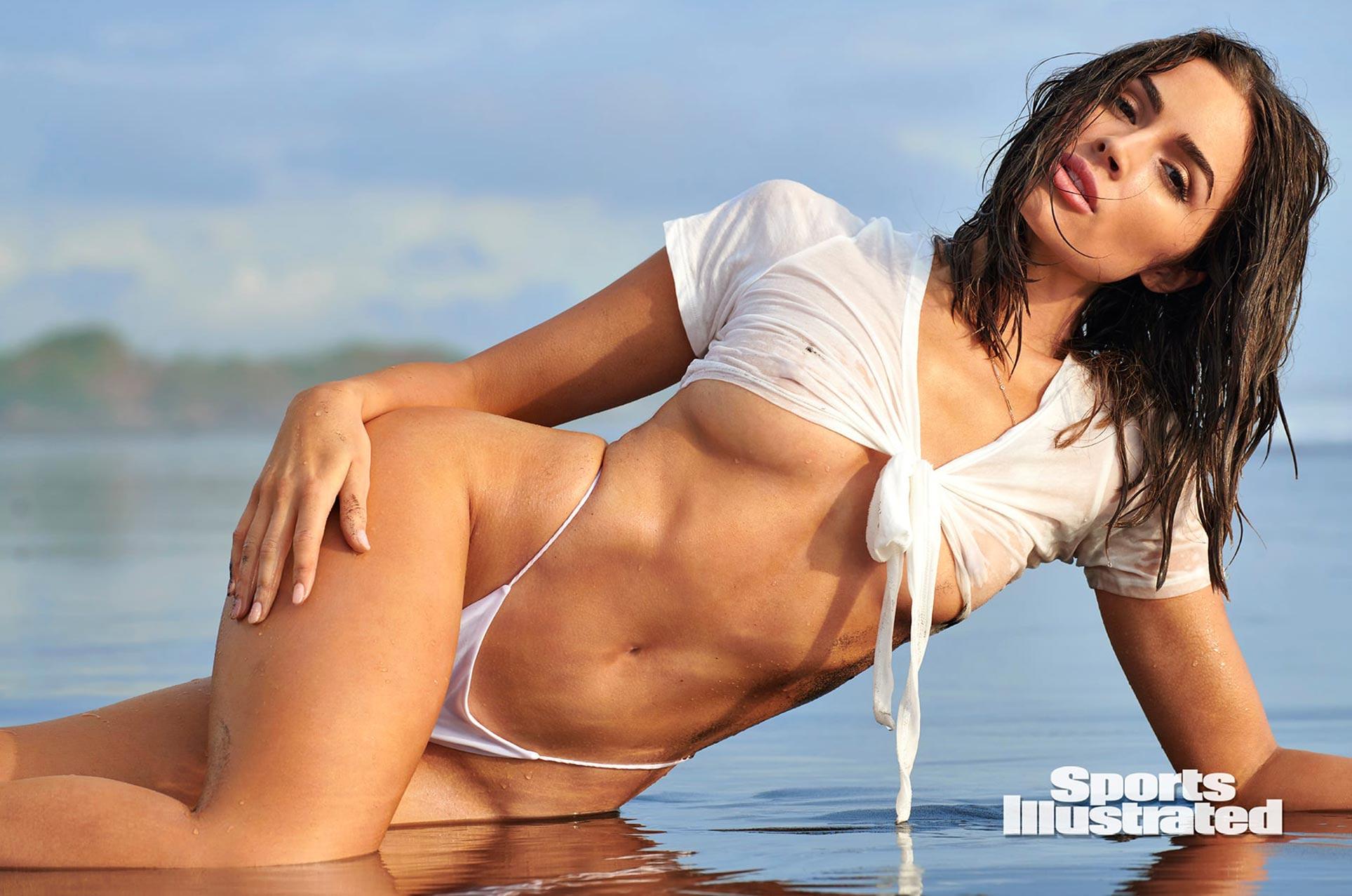 Оливия Калпо в каталоге купальников Sports Illustrated Swimsuit 2020 / фото 01