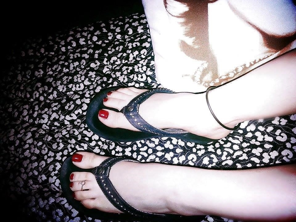 Nylon feet arab-2343