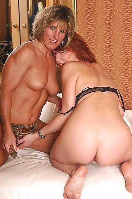 Lesbian milf anal orgy-6339