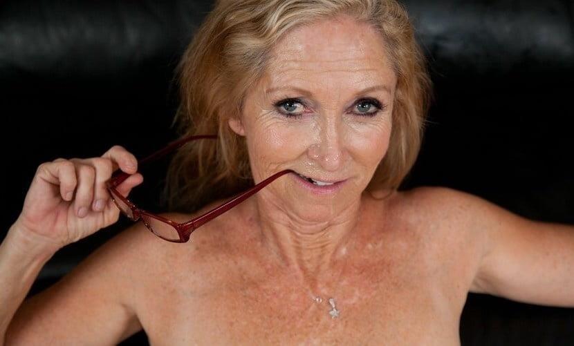 Annabelle brady anal-2436