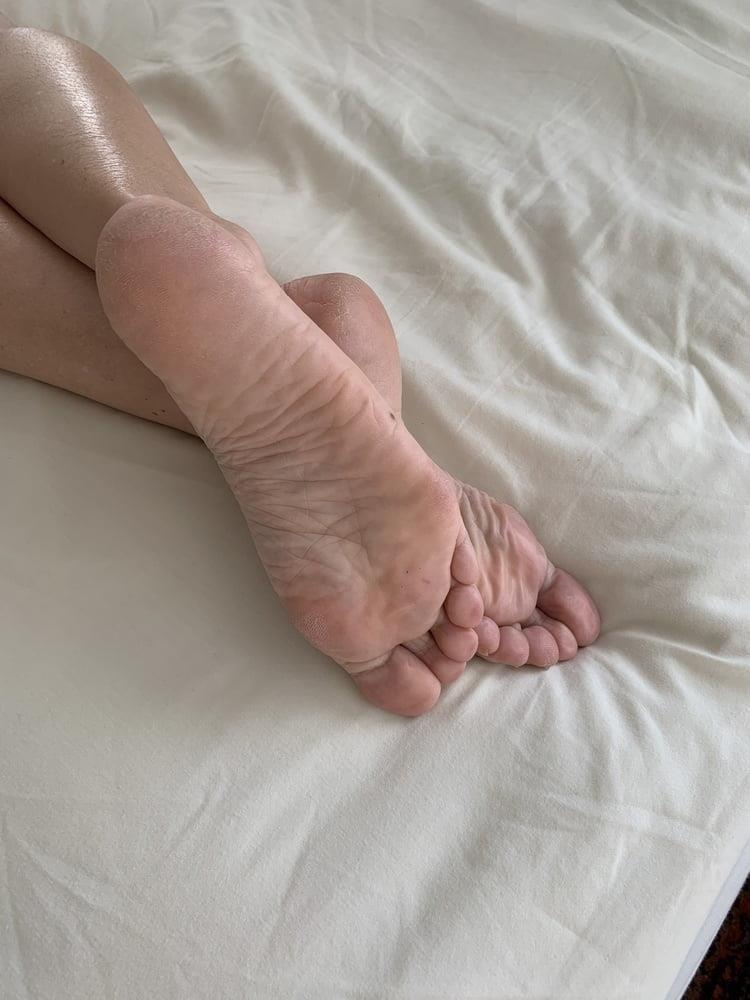 Lesbian feet bondage-1528