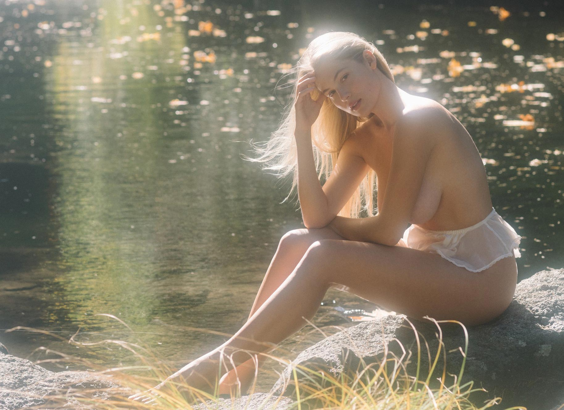 Меган Мур - Девушка месяца февраль 2019 Playboy США / фото 01