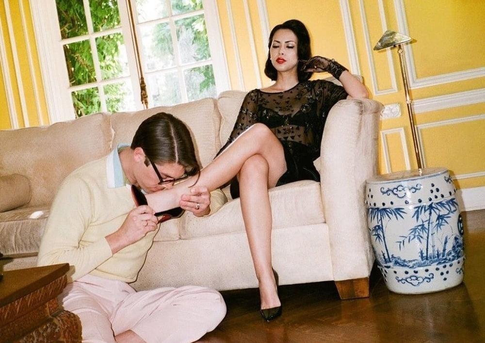 Victoria feet slave-8326