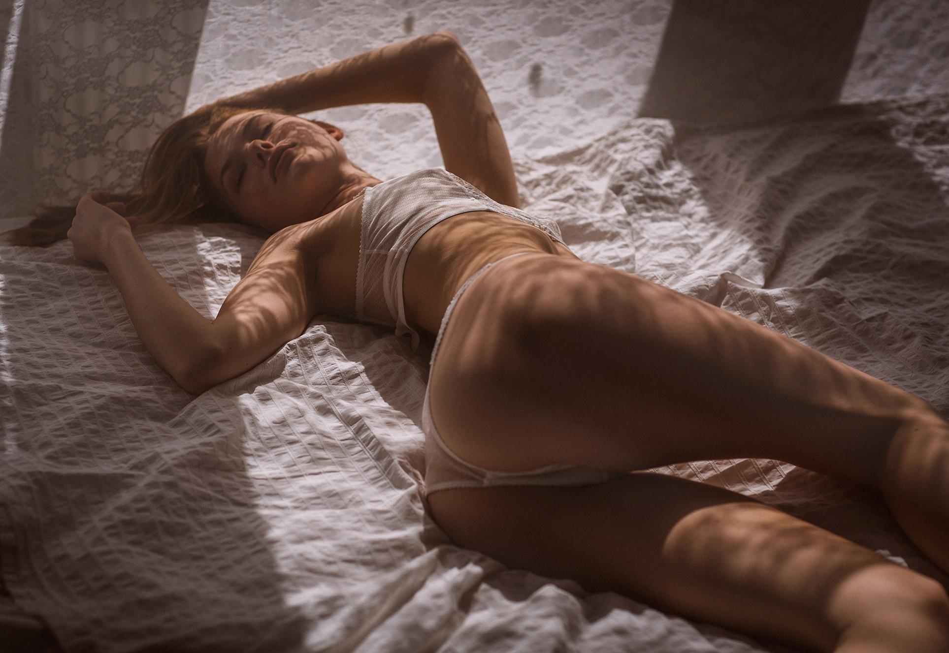 Anna Levsen in sexy lingerie by Thomas Agatz