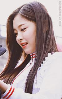 Hyunjin (Loona) JfCW4oQz_o