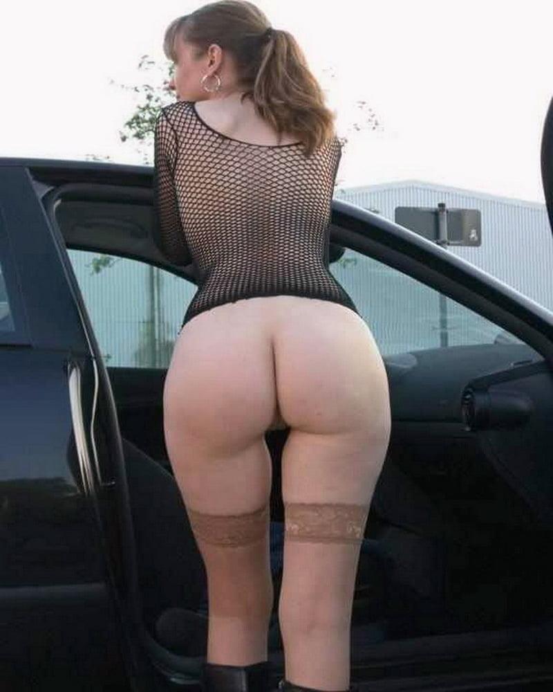 Cunnilingus in car-4235