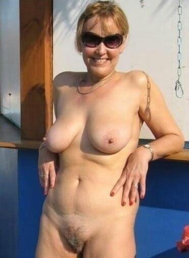 Naked mature tgp-3573