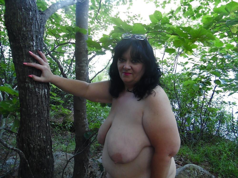 Hot mom big tits pic-7605