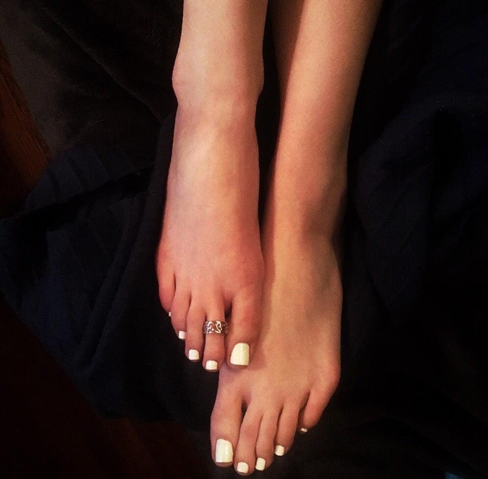 Lesbian long toes-1923