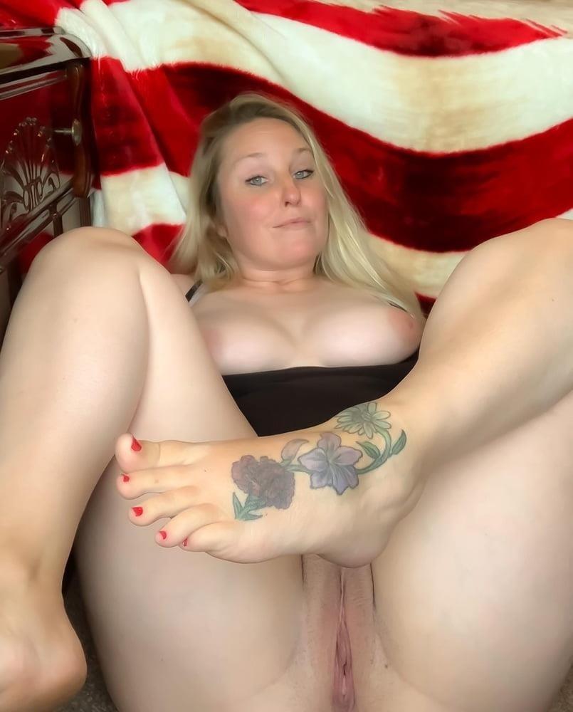 Curvy blonde milf pics-9013