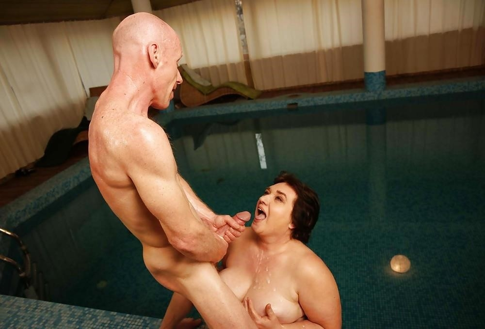 Massive female orgy-8886