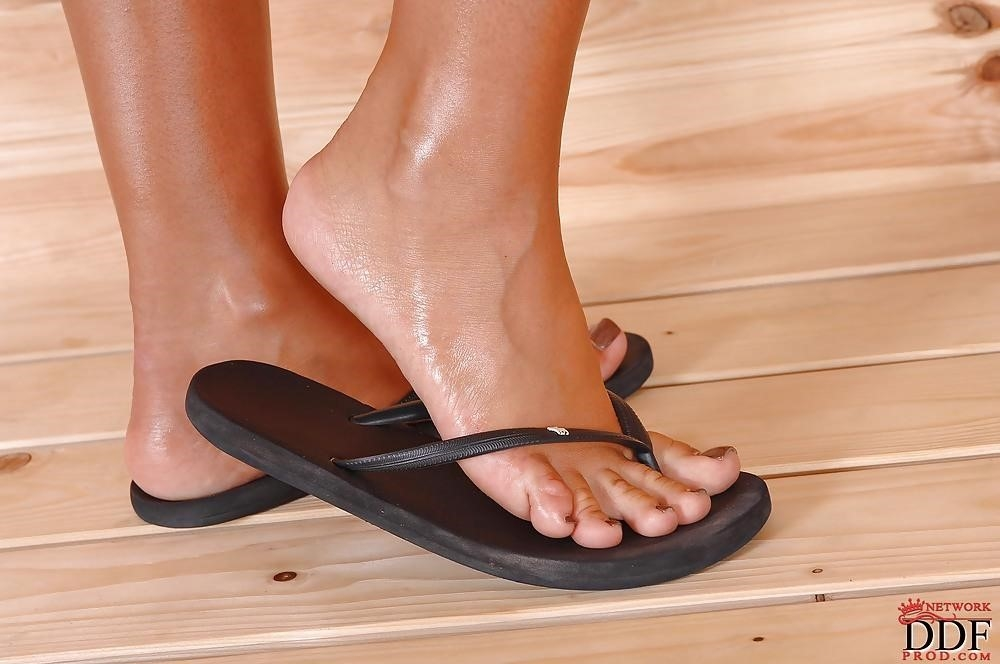 Angelica heart feet-6798