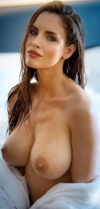 Nude girls with pretty feet-9361