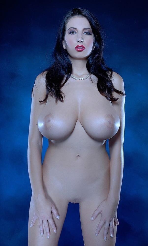 Beautiful big naked boobs-7133