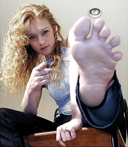 Worship my sweaty feet-2083