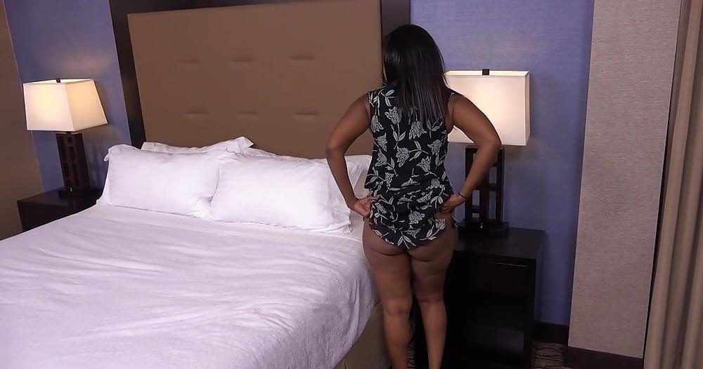 Big black mom booty-3564