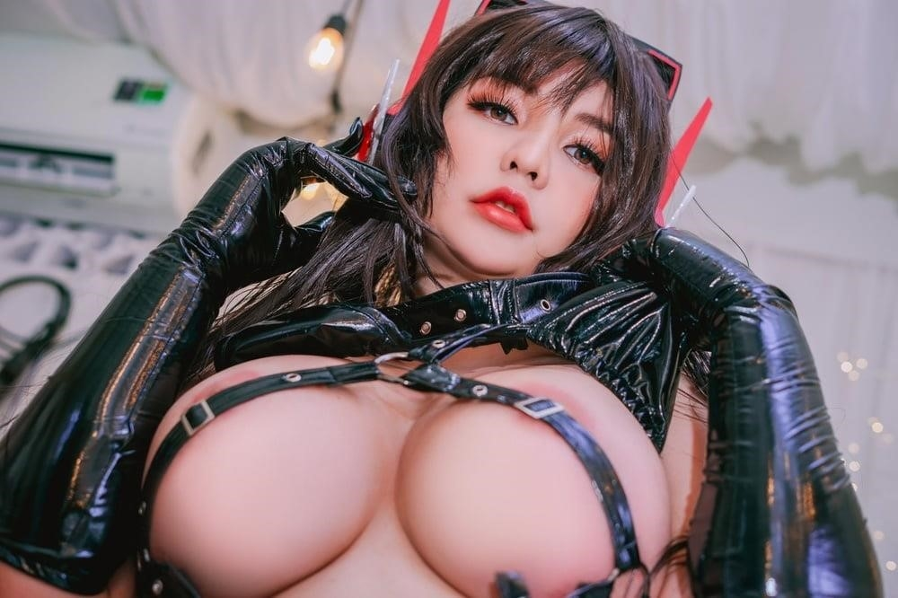 Hentai girl big boobs-4615