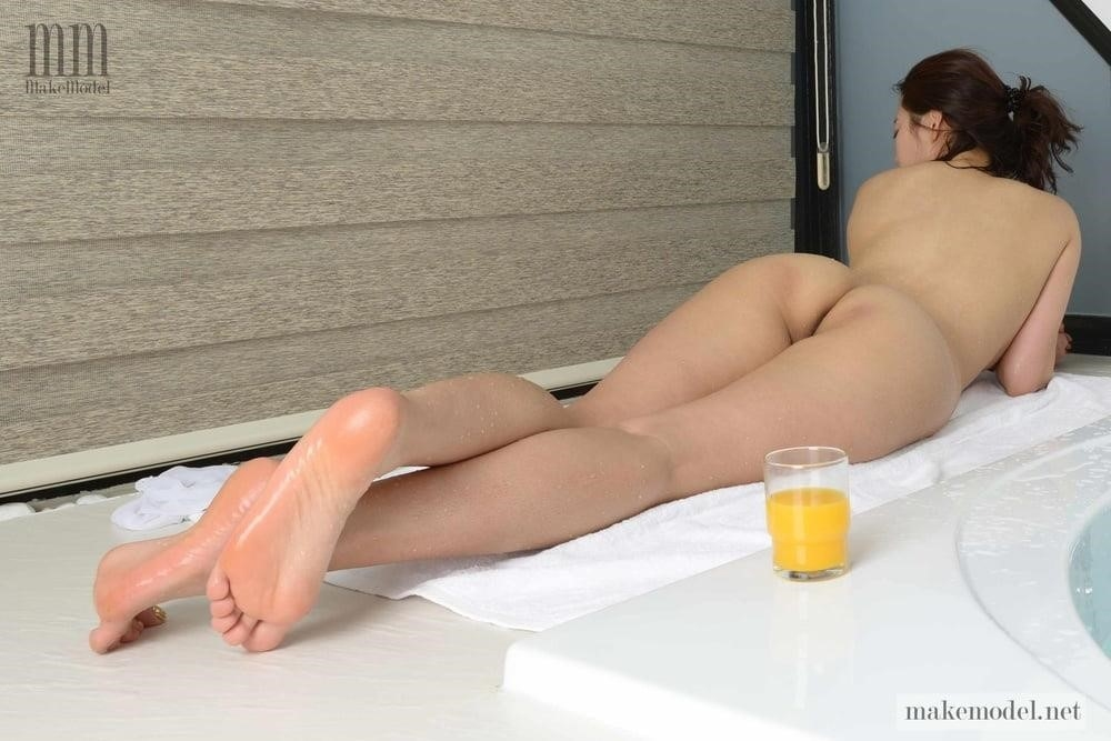Korean men nude-9585