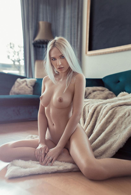 Monica Wasp nude by Silviu Sandulescu