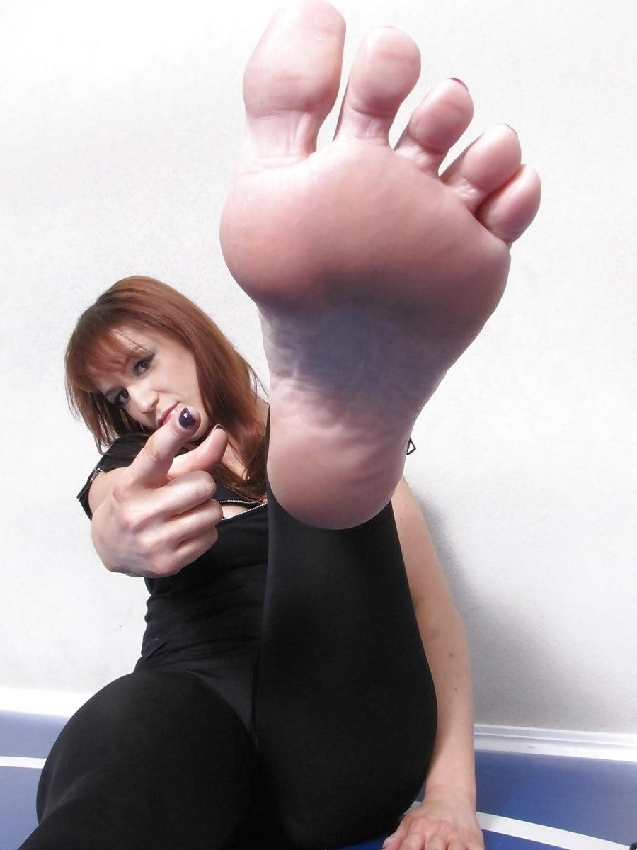 Worship my sweaty feet-8449