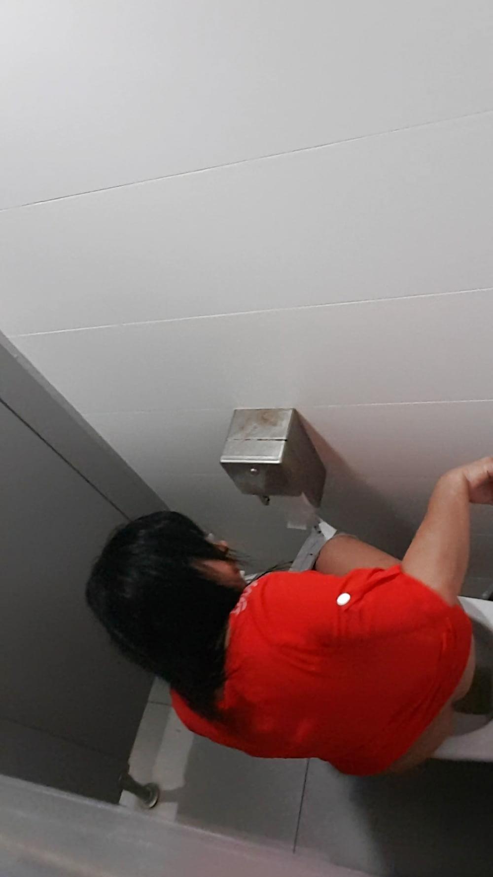 Public toilet spy cam porn-9201