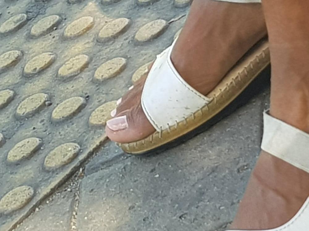 Black mom feet porn-7820